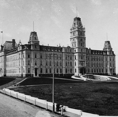 Hôtel du Parlement, Québec, années 1890.